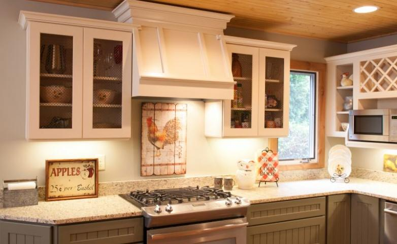 <span>Hendersonville Kitchen Remodel:</span> Painted cabinets with custom range hood