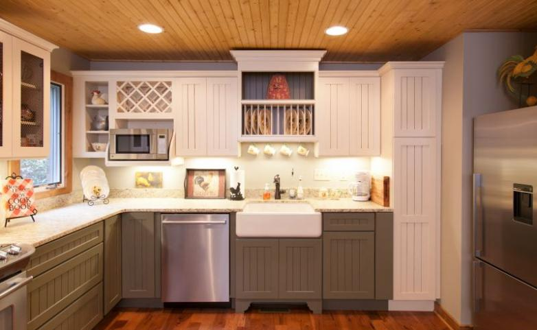 <span>Hendersonville Kitchen Remodel:</span> Stainless steel appliances and painted cabinets.